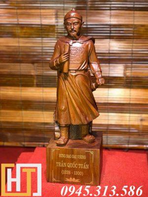 tượng gỗ trần quốc tuấn
