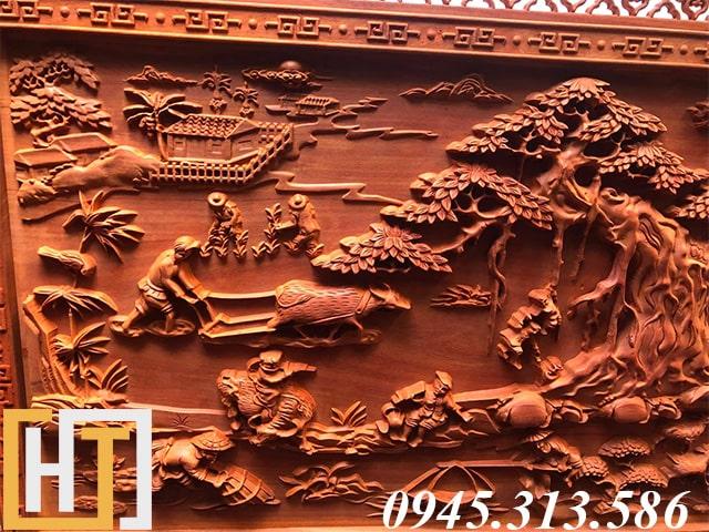 tranh gỗ đồng quê đục tay dài 2m37 phía bên trái