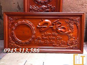 tranh đồng hồ chữ đức sơn pu dài 81cm cao 41cm dày 3cm