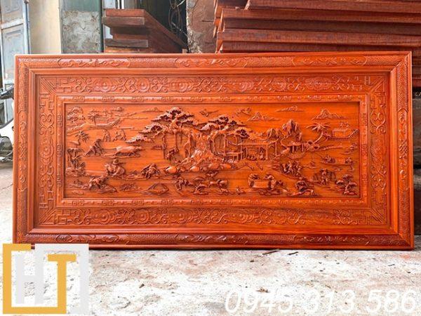 tranh gỗ đồng quê giá rẻ khung đục hạ nền dài 1m97