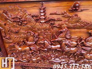 đàn ngựa trong bức tranh gỗ mã đáo thành công dài 2m37 rộng 1m17 gỗ dày 7cm