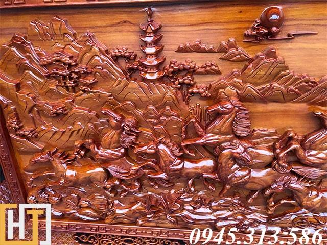 đàn ngựa trong bức tranh gỗ bát mã dài 2m37 rộng 1m17 gỗ dày 7cm