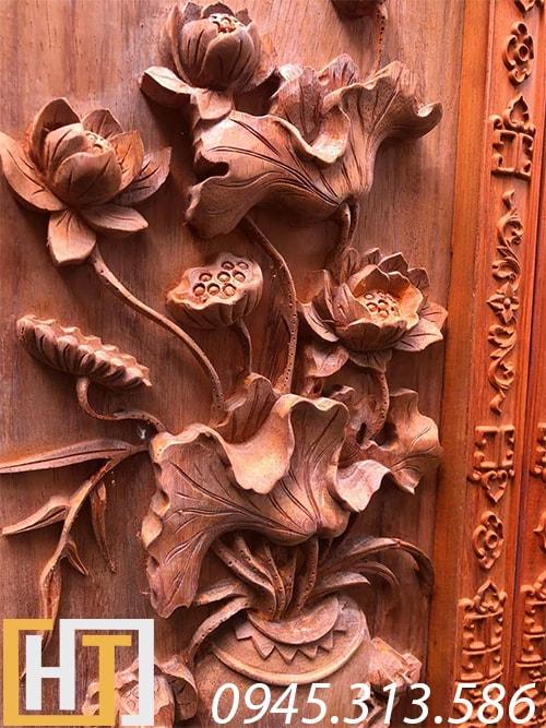 cây hoa sen trong bộ tranh tứ bình gỗ hương đỏ nam phi