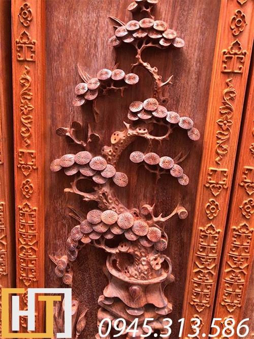 cây tùng trong bộ tranh tứ bình gỗ hương đỏ nam phi