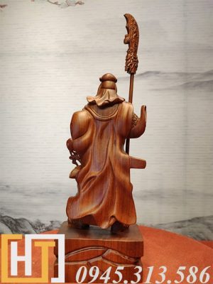 mặt sau tượng quan công trung nghĩa gỗ hương ta nguyên khối