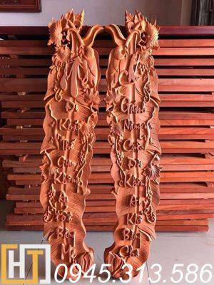 câu đối tàu chuối cha mẹ bằng gỗ hương đỏ